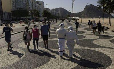 Brasil informa 631 nuevos decesos por virus, casos se acercan a 2 millones