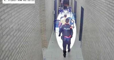 """Policía """"demorado"""" en sede del PLRA se paseaba con adherentes"""