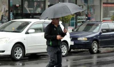 Anuncian clima fresco y lloviznas para este lunes