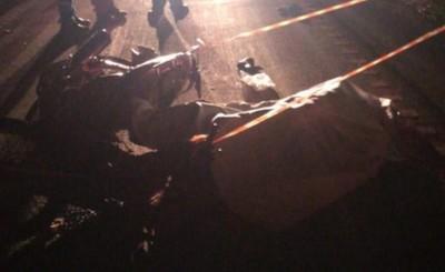 Motociclista muere tras embestir contra la carreta de un camión