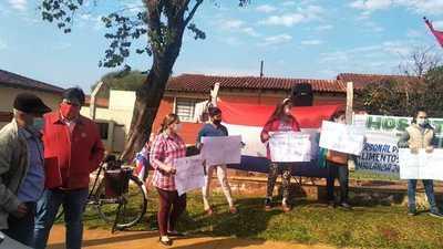 Ciudadanos se movilizan en reclamos de insumos para Hospital de Franco