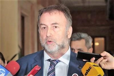 Gestión desastrosa de Benigno López en IPS genera daño de G. 14.000 millones con negociados en CDA