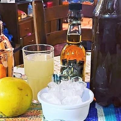 """Médicos advierten que ningún tipo de bebida ni comida """"mata"""" el coronavirus"""
