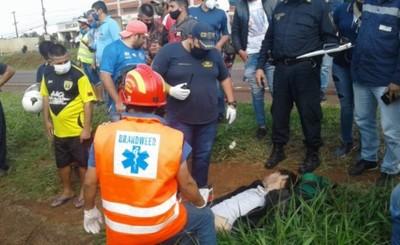 Confirman muerte del motociclista embestido por furgón