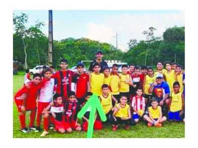 Con fútbol buscan sanar las heridas de Carlitos
