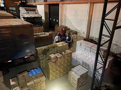 Incautan unas 15 toneladas de productos de posible contrabando