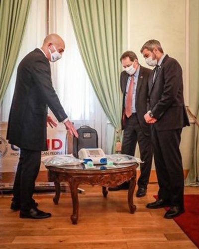 Paraguay recibe respiradores de E.E.U.U.