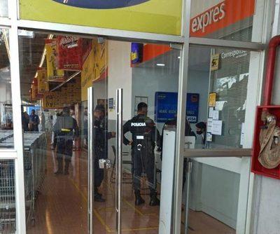 Dos bandidos roban dinero de  boca de cobranza del Banco Itaú – Diario TNPRESS