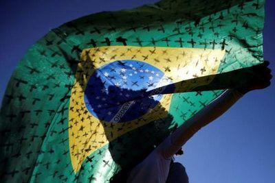Brasil reporta más de 1.300 muertes por coronavirus en un día para llegar a un total de 74.133