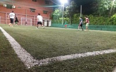 Salud dice que «fútbol entre los muchachos» representa un alto riesgo