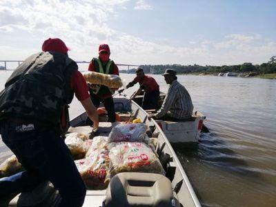 Derecho-UNA dona más de 500 kilos de alimentos a familias ribereñas afectadas por pandemia