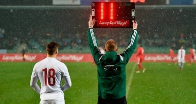 HOY / La IFAB amplía hasta 2021 la posibilidad de hacer hasta cinco cambios