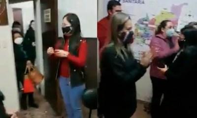 """Directora de V Región Sanitaria criticada por """"aglomeración sorpresa"""" de cumpleaños"""