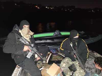 Guerra en el río Paraná entre marinos y contrabandistas deja un herido