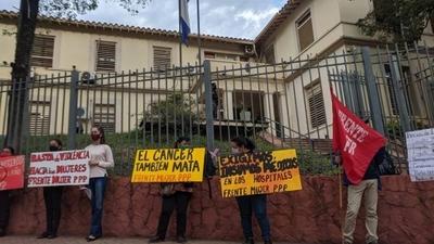 HOY / Protesta frente a Salud: exigen atender otras enfermedades y a zonas vulnerables