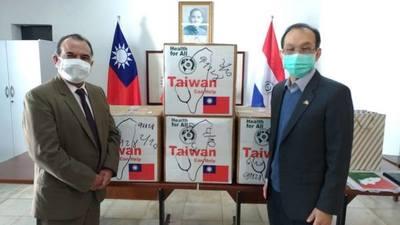NUEVO CÓNSUL GENERAL DE CHINA TAIWÁN DONÓ TAPABOCAS PARA ITAPÚA.