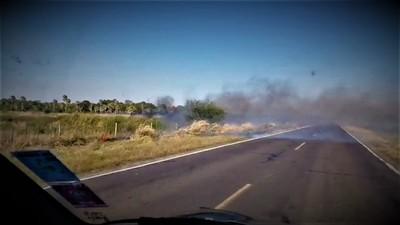 Historia repetida: pastizales quemados ponen en apuros fibra óptima de la Transchaco