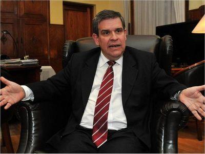 Ex ministros de Hacienda sugieren reformas para enfrentar la crisis