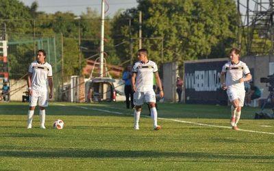 Con victoria, esteño debutó en Primera División