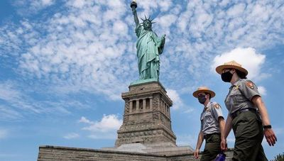 La isla de la Estatua de la Libertad abre sus puertas, pero pocos van a verla