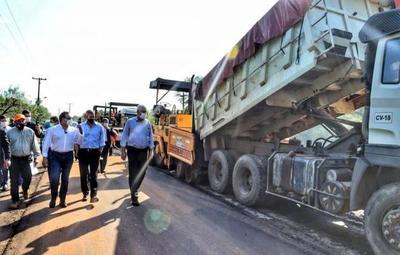 Gobierno inaugura más de 14 kilómetros de tramos asfaltados en Central