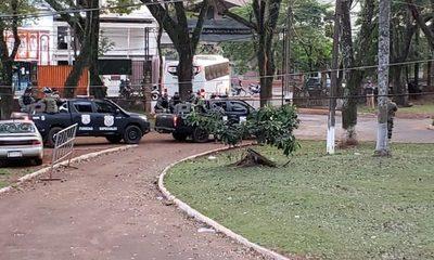 Trasladan a cárceles a detenidos que se encontraban en calabozos de la Dirección de Policía