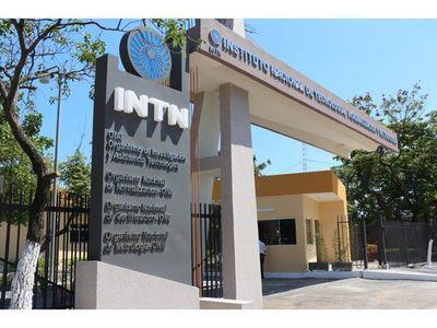 Lira Giménez es nombrada como nueva directora del INTN