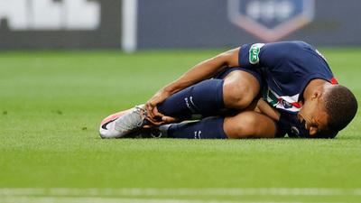 Mbappé sufre un esguince de tobillo y aún desconocen si podrá jugar la Champions League