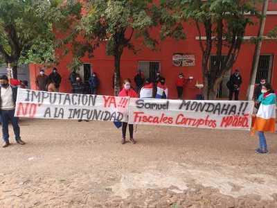 Ciudadanos de Arroyito se manifiestan frente a Fiscalía