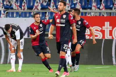 Cagliari sorprende al campeón