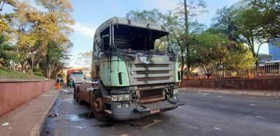 Gremio repudia violencia contra camioneros durante protesta y exigen resarcimiento económico