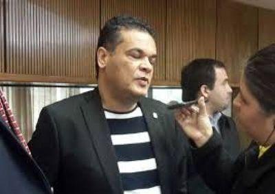 Diputado Robert Acevedo acepta hechos de corrupción en la administración de su hermano y quiere arrastrar a la Junta Municipal como coactores