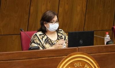 Acusan lentitud de Salud: Argentina dona insumos y no retiran