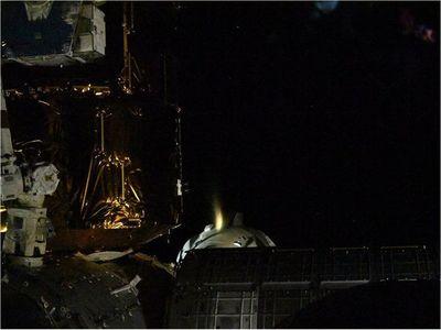 La nave tripulada Dragon regresa a Tierra tras una misión histórica