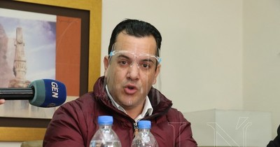Friedmann, acusado de monopolizar plan de cáñamo en favor de firma ligada al clan Ferreira