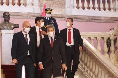 Mario Abdo pide a sus ministros encaminarse a una política de austeridad