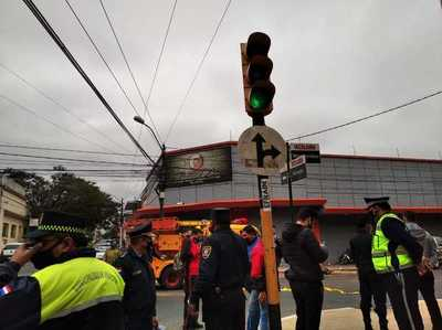 El relato de una tragedia: sobreviviente de accidente por fallo en semáforos denuncia maltratos del 154 y abandono