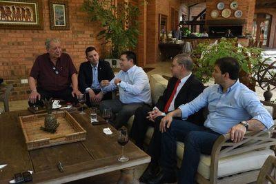"Horacio Cartes ""es un líder, nos guste o no"", dice Ovelar"